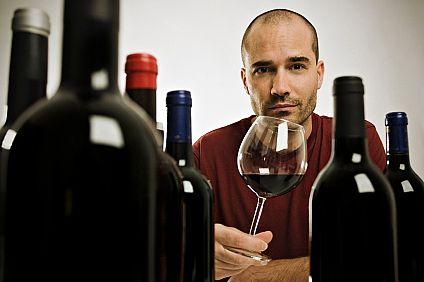 红酒文化 红酒知识 > 教你如何品鉴优质葡萄酒  品鉴过程分为三个步骤