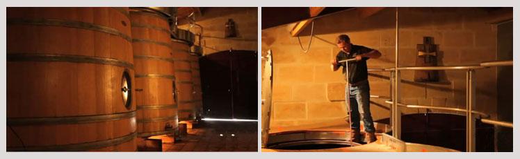 十字木桐古堡 Chateau Croix-Mouton 波尔多最动人的小城堡 十字木桐是一间令人激赏的小酒堡,它不但在国际上有着优秀评价,更是出自酿酒大师Jean-Philippe Janoueix之手。有着波尔多最动人的小城堡之美誉。十字木桐古堡被多尔多涅河的分支环绕着。庄园里的高卢罗马遗迹证明早在那个时期人们已在这块优质的沙石土地上种植葡萄,它的优越地势使河水直接流入葡萄园供给葡萄树所需的水分。独特的建筑风格和路易十四的大壁炉证明了酒庄在十七世纪的重要地位。在十七世纪初,由于庄园经常易主,葡萄园没有
