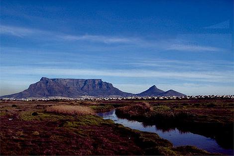 南非 奥特尼夸葡萄酒产区风景图