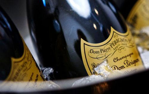 唐培里侬香槟(Dom Perignon)